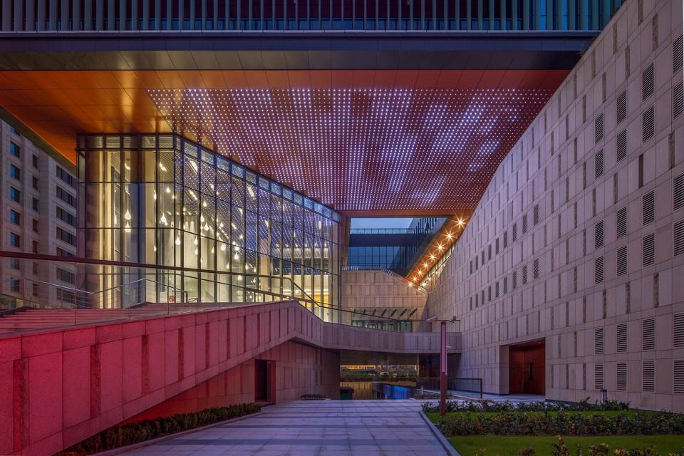 上海外高桥文化艺术中心/上海天华