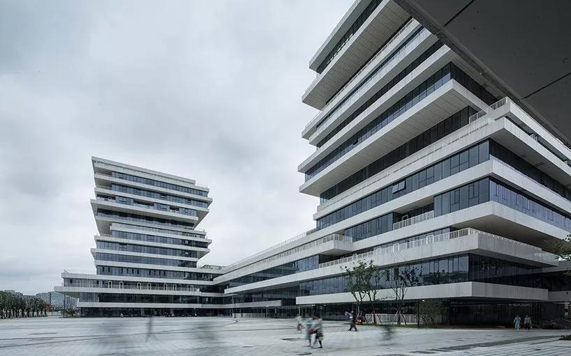 浙江杭州师范大学仓前校区核心区综合体建筑设计/维思平建筑设计