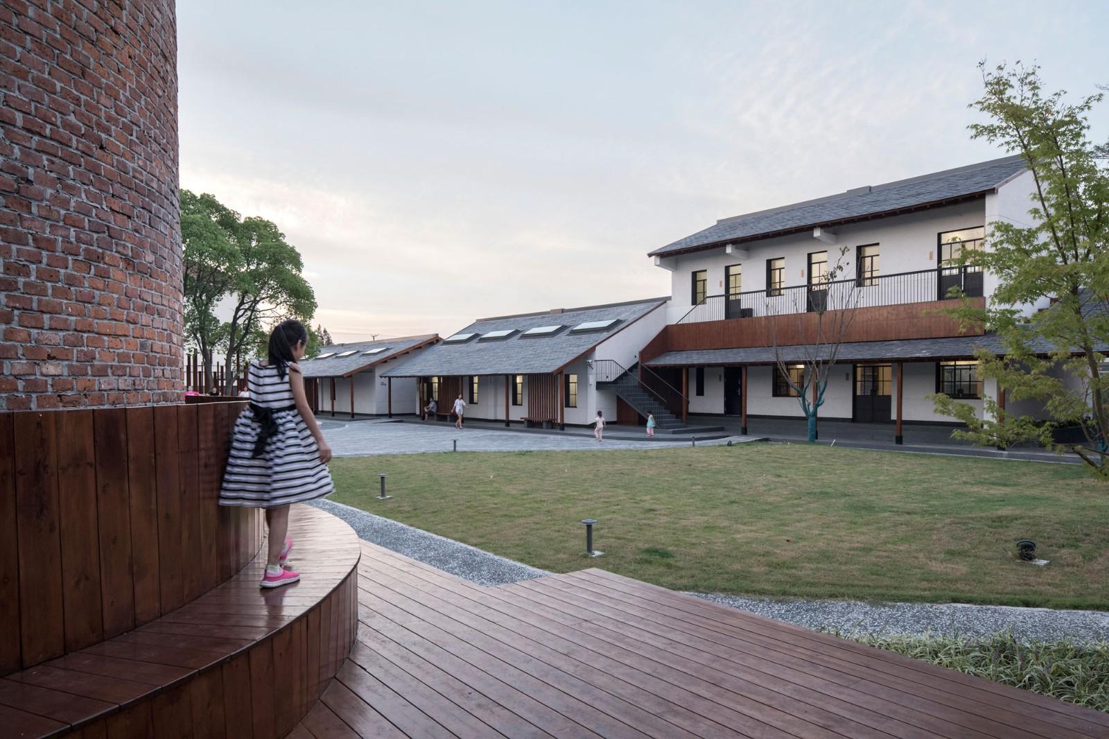 上海崇明岛侯家镇文化活动中心建筑景观改造设计/空间里建筑