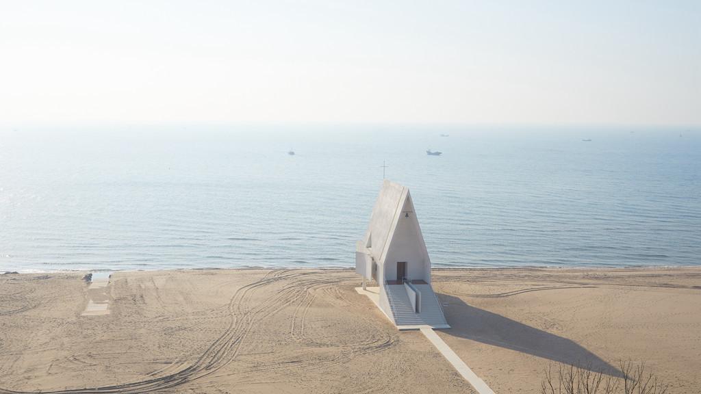 河北秦皇岛阿那亚海边教堂建筑设计 / 直向建筑