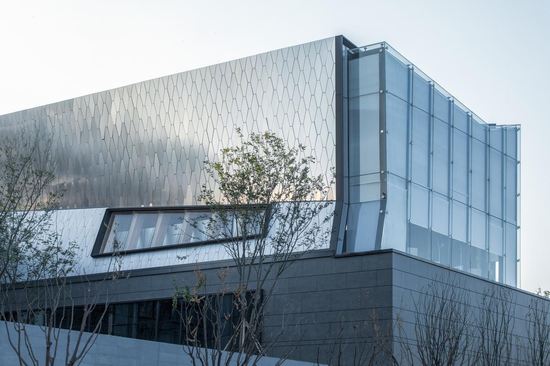 重庆龙湖两江长滩原麓社区中心建筑设计/成执建筑