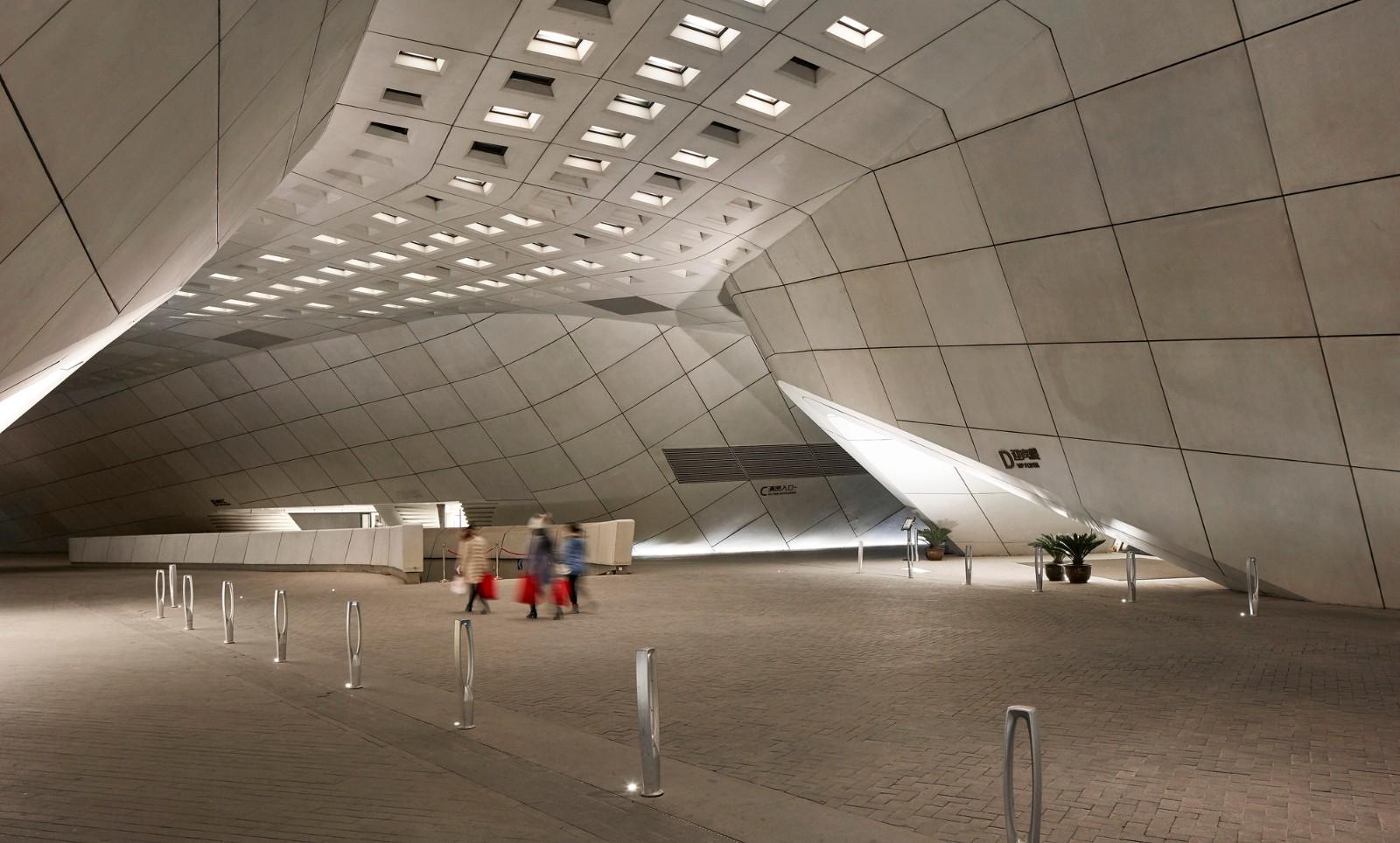 南京国际青年文化中心建筑设计/扎哈建筑事务所