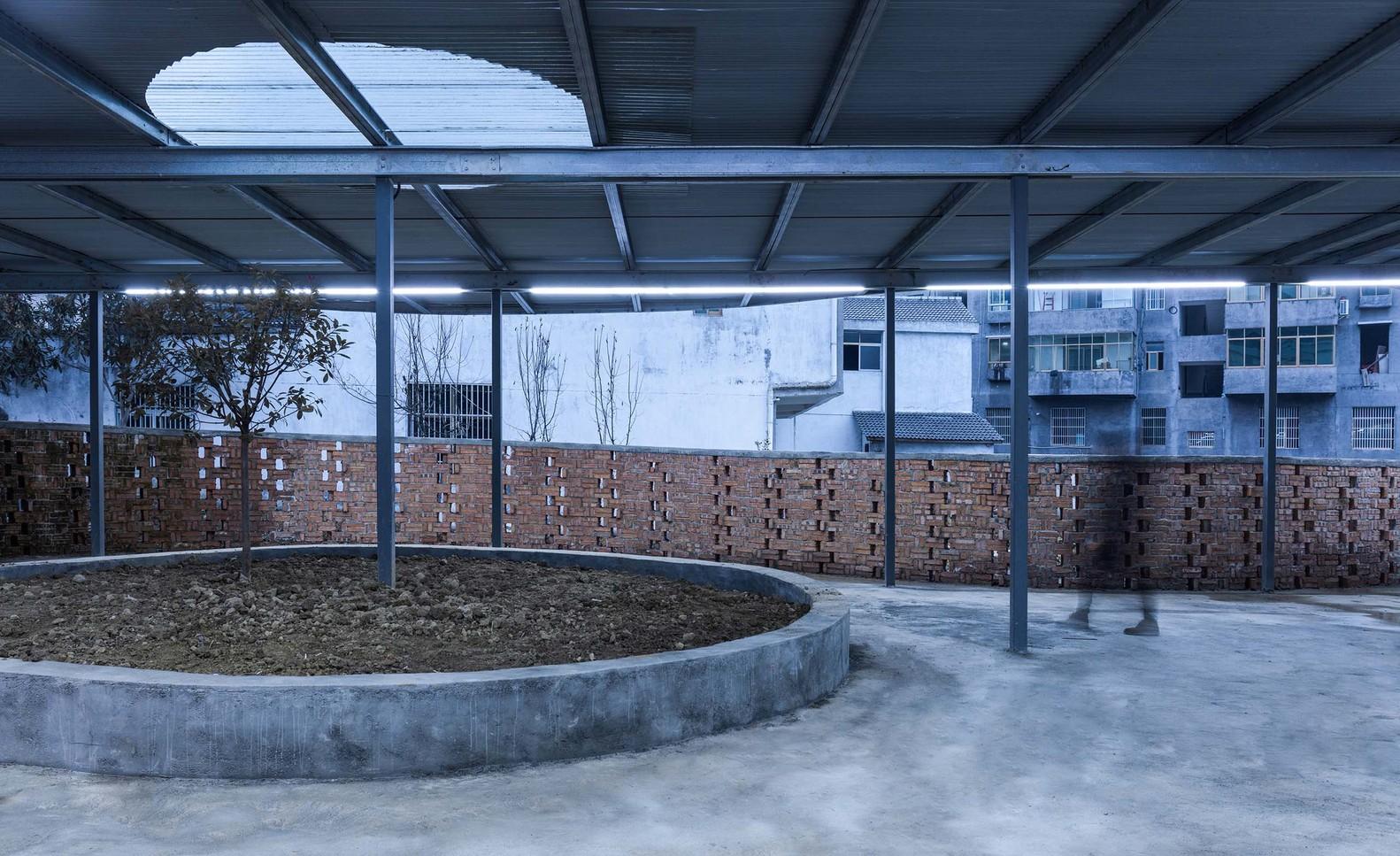 湖北十堰龙坝镇菜市场建筑设计/小写建筑事务所
