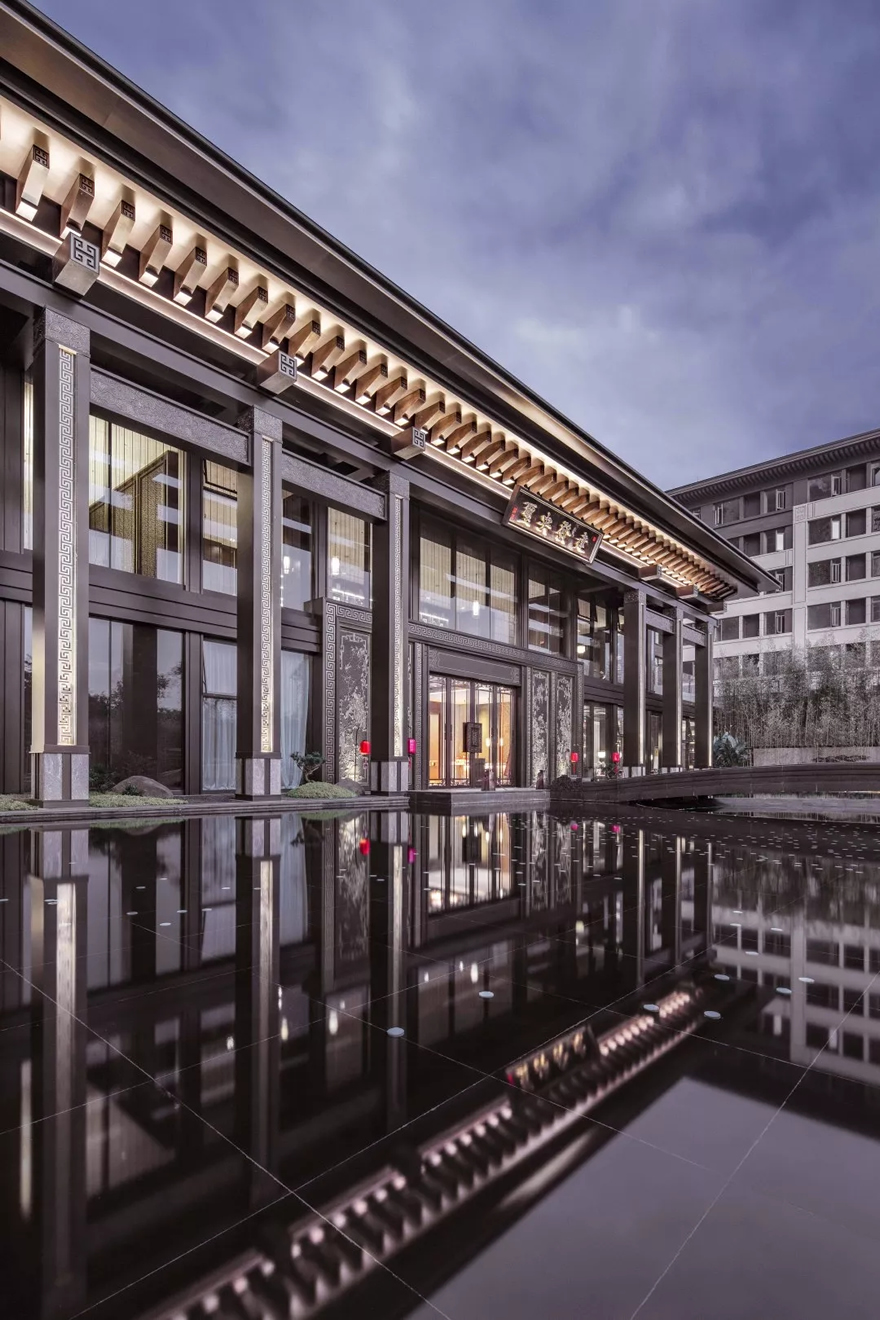 广州建发央玺示范区建筑设计/日清设计