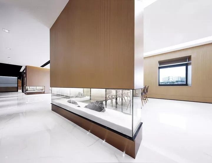 深圳侨信控股总部办公空间室内设计/故事空间设计