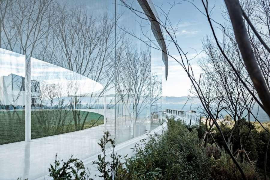 云南抚仙湖万科艺术美学中心景观设计/承迹景观