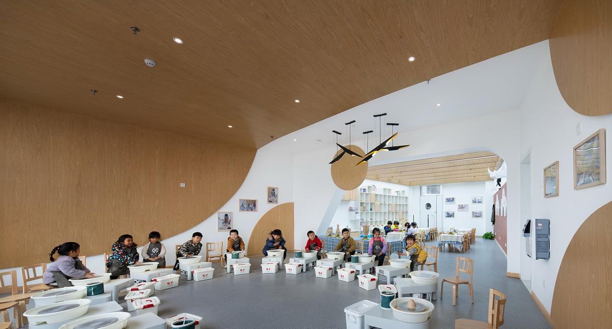 云南棒棒糖理想园幼儿园  建筑设计  /  迪卡幼儿园设计中心