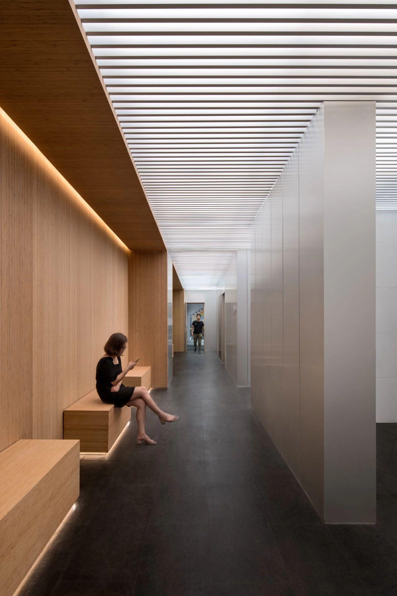 北京万科时代中心 建筑改造设计 / SHL