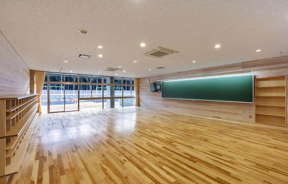日本鉾田南小学建筑设计/三上建筑事务所