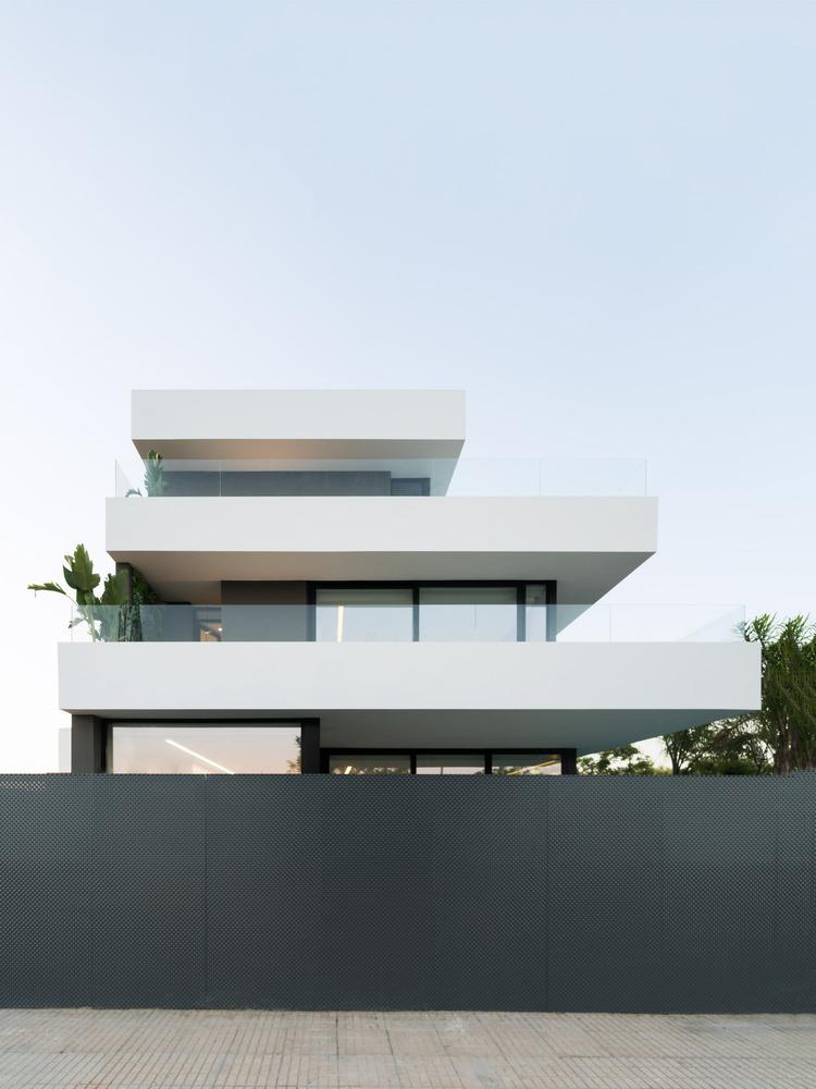 西班牙水族馆极简独立住宅建筑方案设计