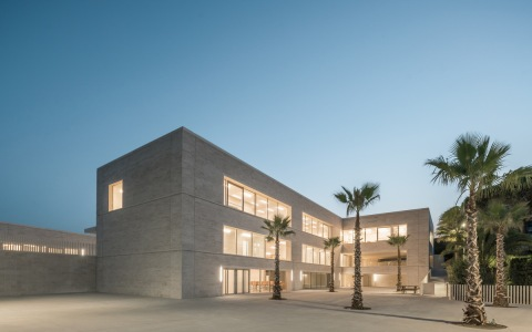 法国戛纳罗米莉公立学校建筑letou国际米兰下载/Stéphane Fernandez