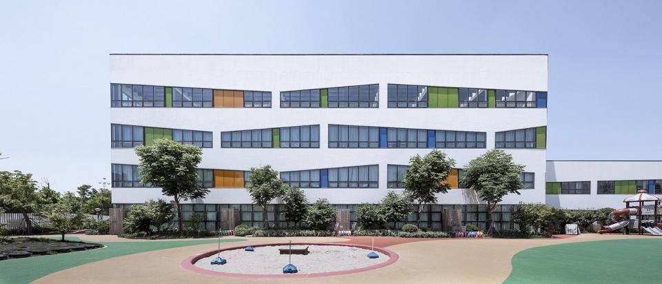 湖州南浔镇中心幼儿园建筑设计/浙江大学建筑设计研究院有限公司