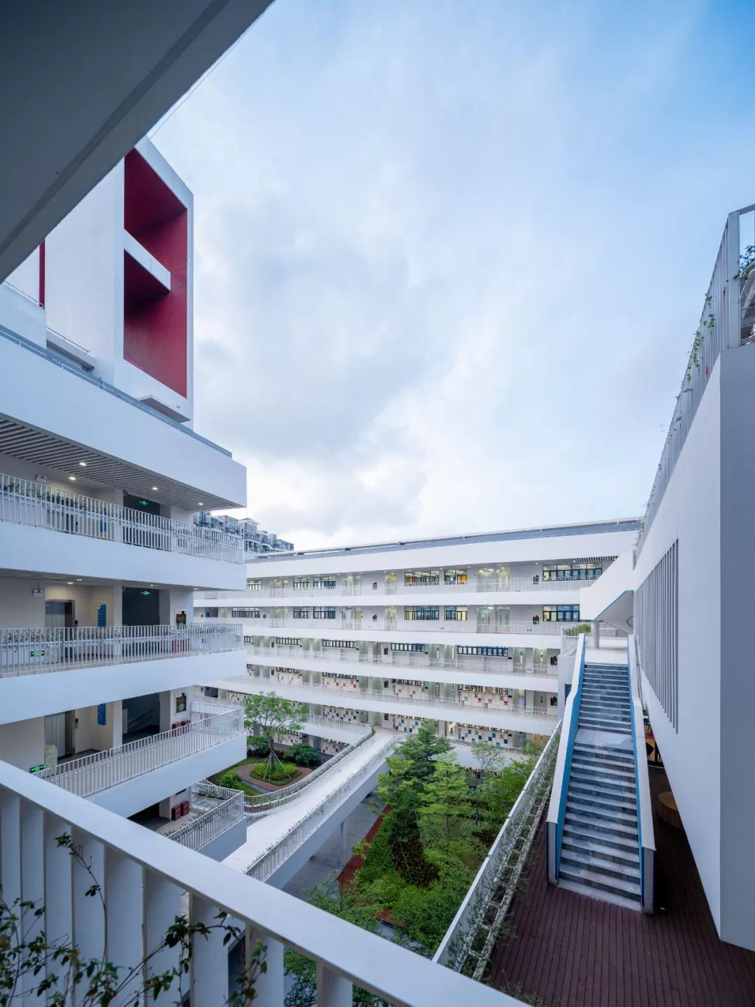 深圳前海三小建筑设计/深圳大学建筑设计研究院·元本体工作室