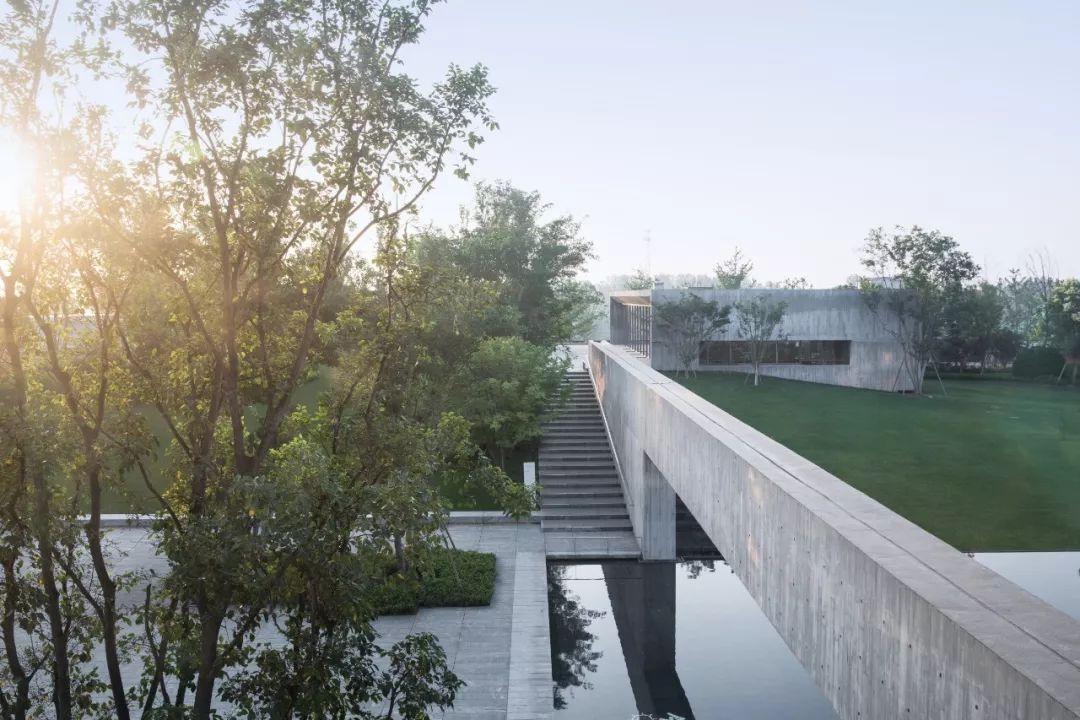 郑州普罗理想国艺术文化中心建筑设计/建言建筑