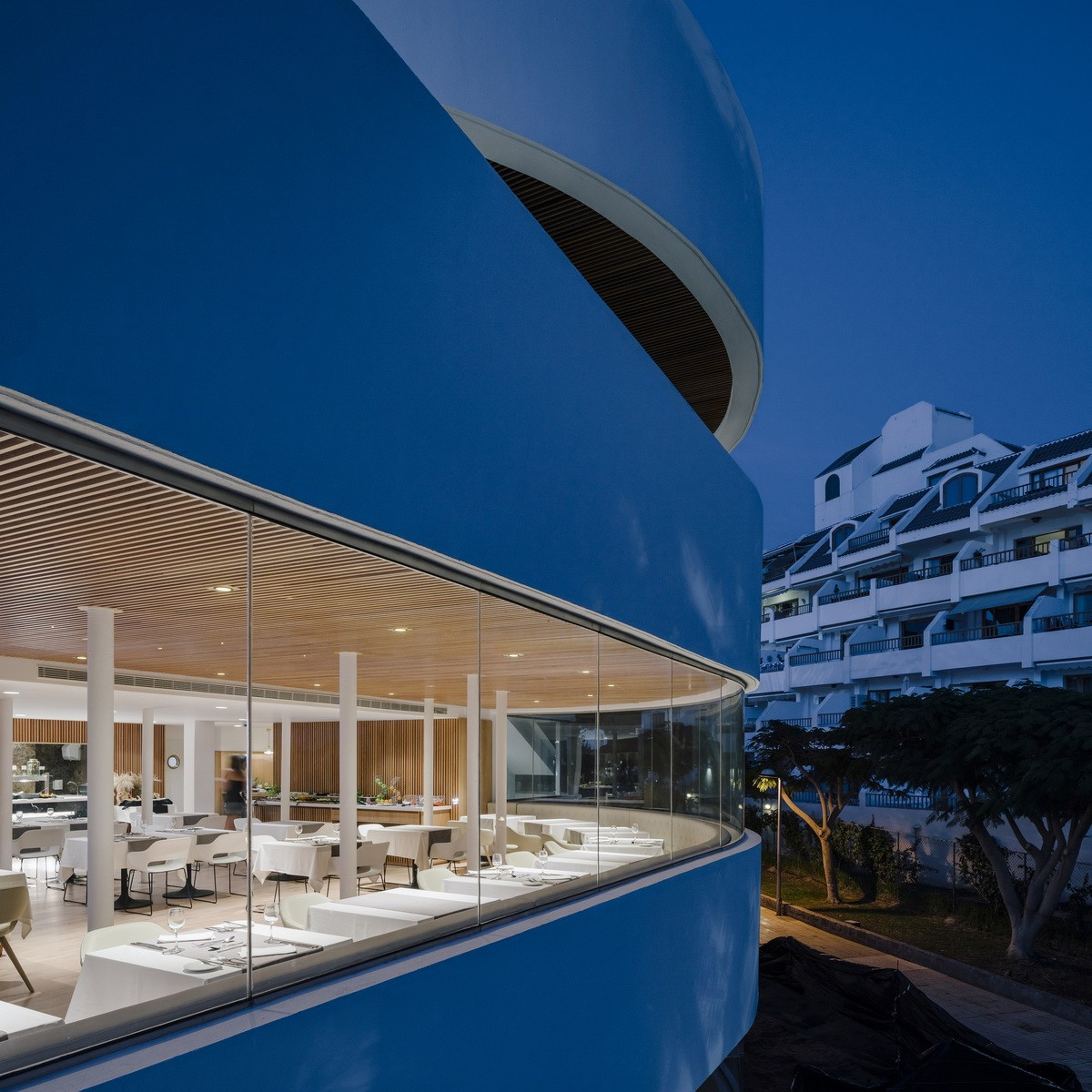 弗拉明戈俱乐部酒店建筑设计/Zooco Estudio