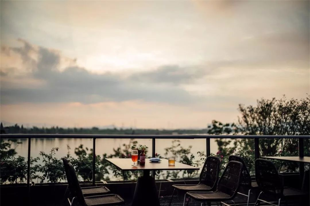 宁波万科CORNICHE滨河道示范区景观设计/尚源建筑景观