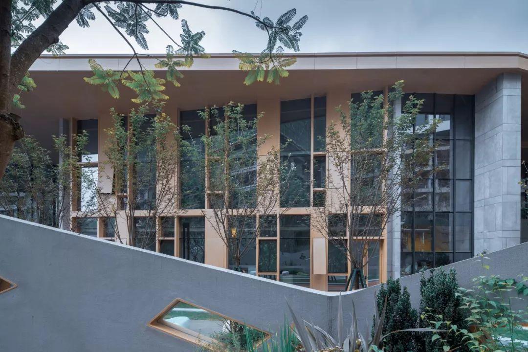 成都花样年花花学园幼儿园建筑设计/朴隅建筑