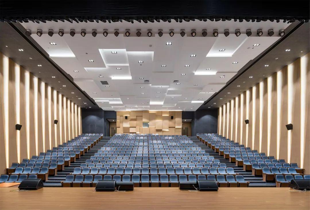 上海市青浦区协和双语学校建筑设计/上海实现建筑设计事务所