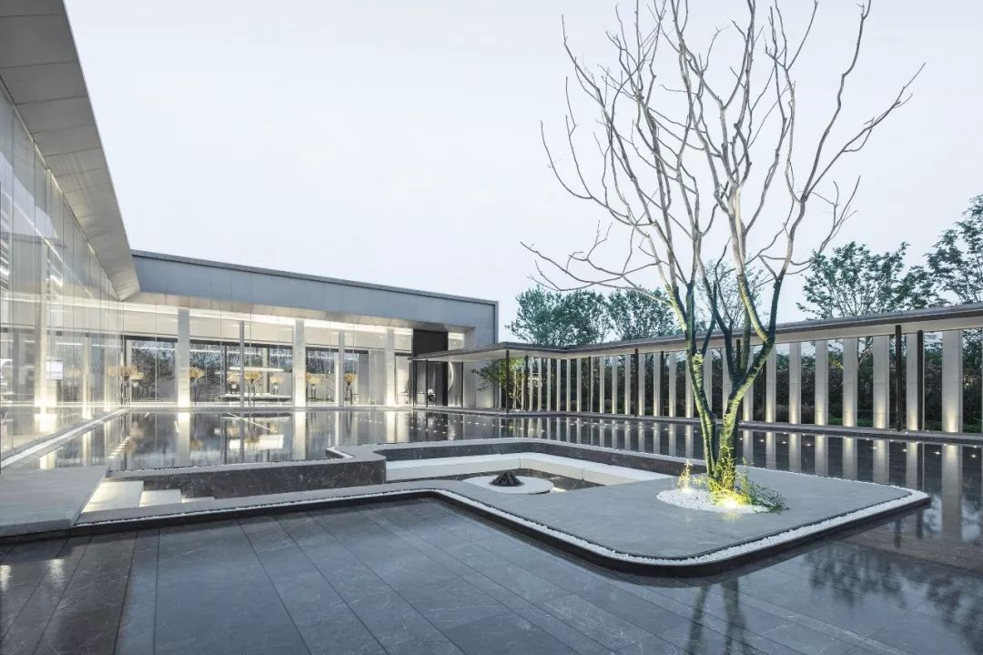 武汉中城新时代景观设计 / 境上设计