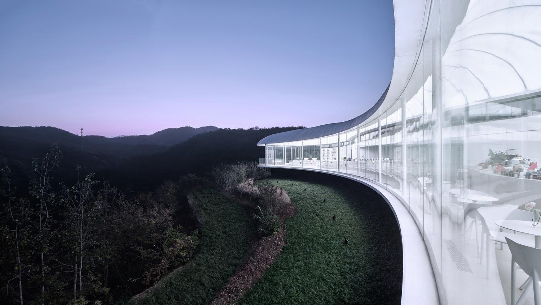 """悬浮的""""云朵"""":泰山九女峰书房建筑设计  / gad · line+ studio"""