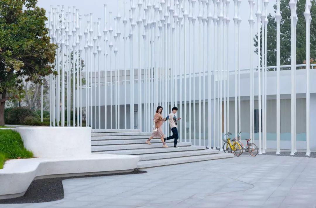 万科 · 武汉长江二桥景观设计 / 安道设计