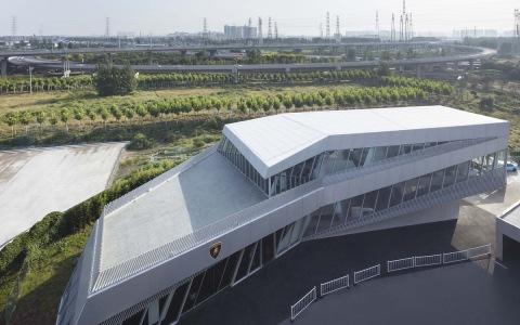 中国兰博基尼展示中心建筑letou国际米兰下载 / 普玛建筑letou国际米兰下载事务所