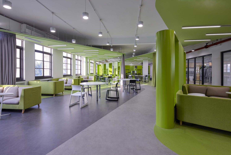 北京大学附属中学道尔顿学院室内设计 / Crossboundaries