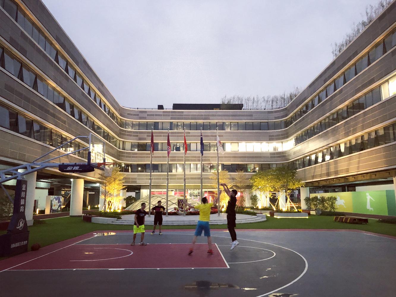 广州天河万科广场建筑设计 / 坊城设计