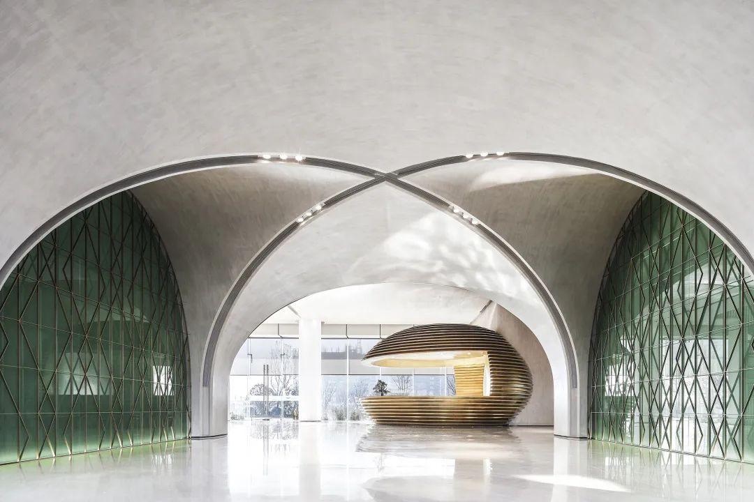杭州湾祥源漫城销售中心室内设计 / 易和室内设计