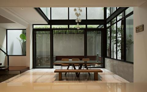 雅加达 VGI 住宅 / Pranala Associates