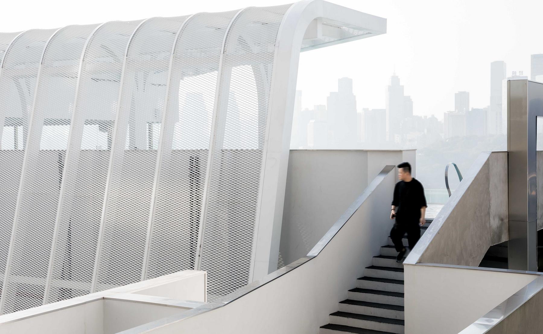 重庆印制一厂山鬼精品酒店改造设计 / 寻常设计