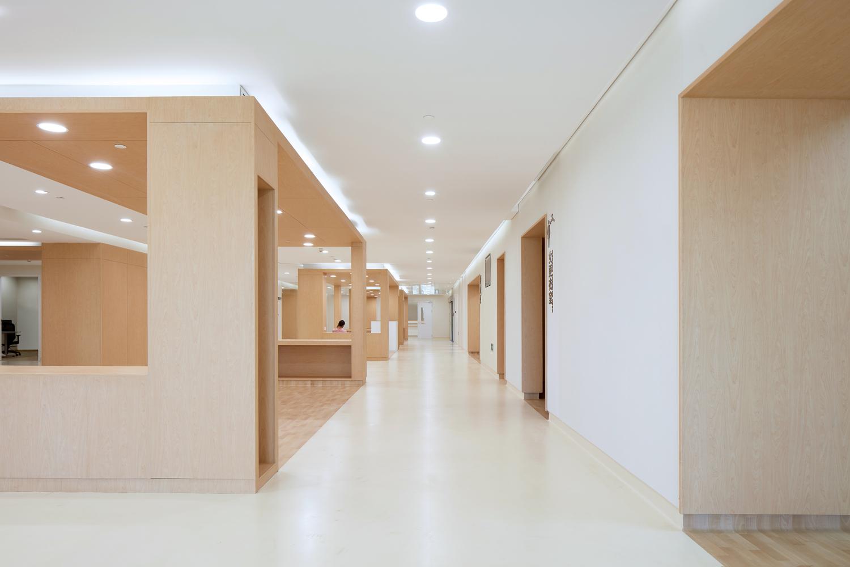 厦门弘爱医院建筑设计 / Lemanarc SA