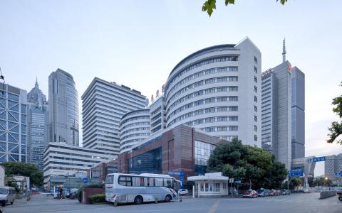 上海同济大学附属东方医院建筑letou国际米兰下载 / Lemanarc SA