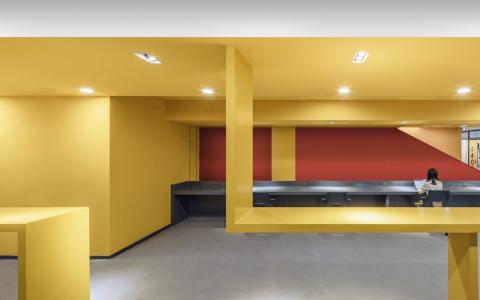 清华大学第四教学楼室内空间改造 / 清华大学美术学院