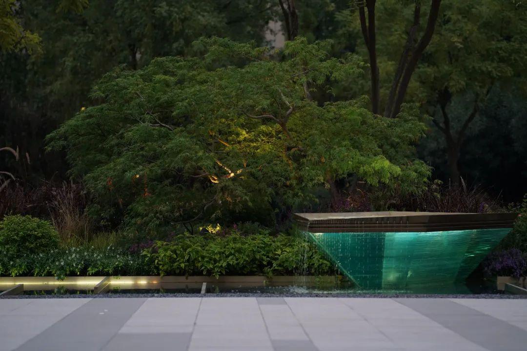 南京万科云逸都荟 景观设计 / 罗朗景观
