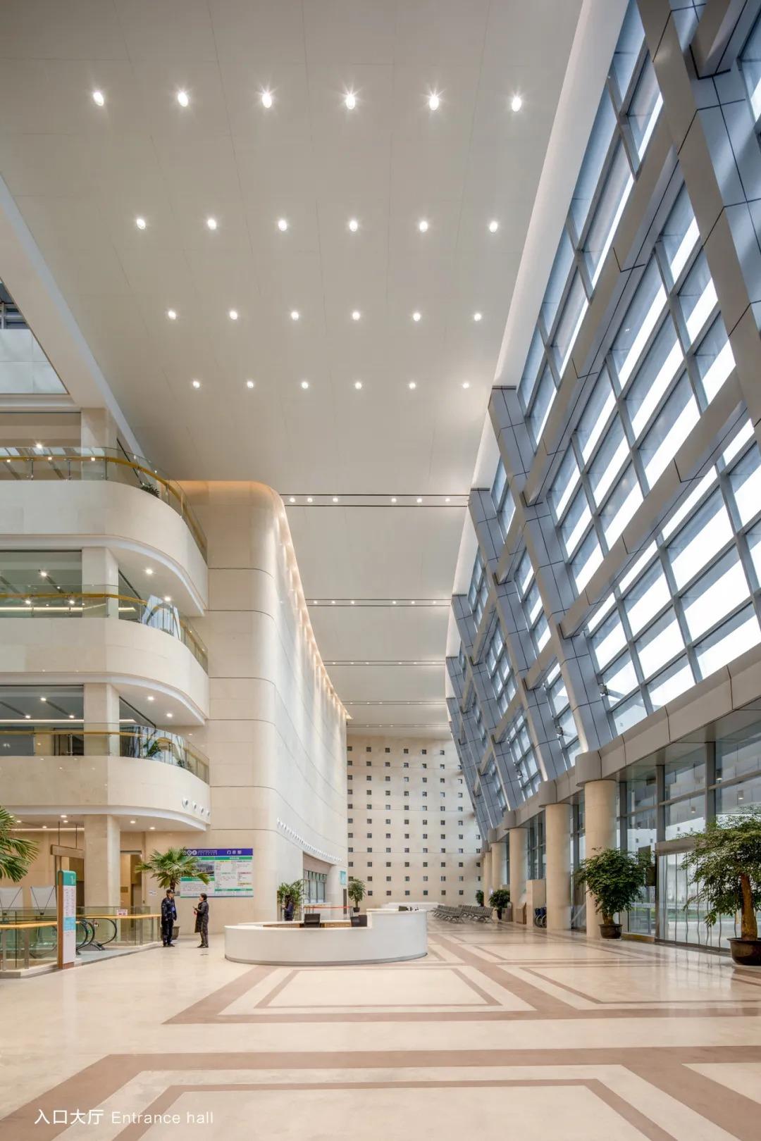 宁波市杭州湾医院 建筑设计 / 深总院孟建民工作室