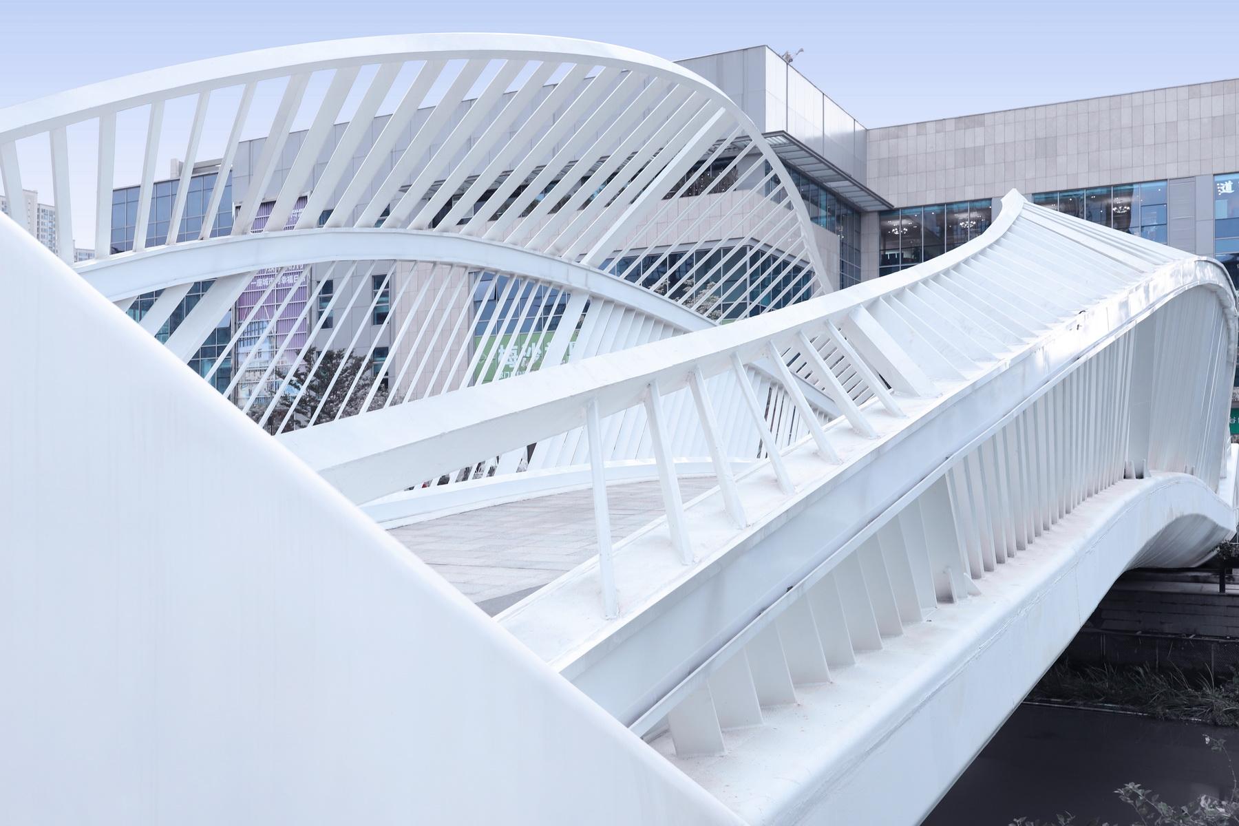 基盛万科中央公园-虹之桥 摄影作品 / 黑白灰建筑空间摄影