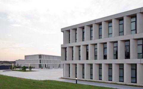 比利时柯里提克医院 建筑letou国际米兰下载 / BE建筑letou国际米兰下载