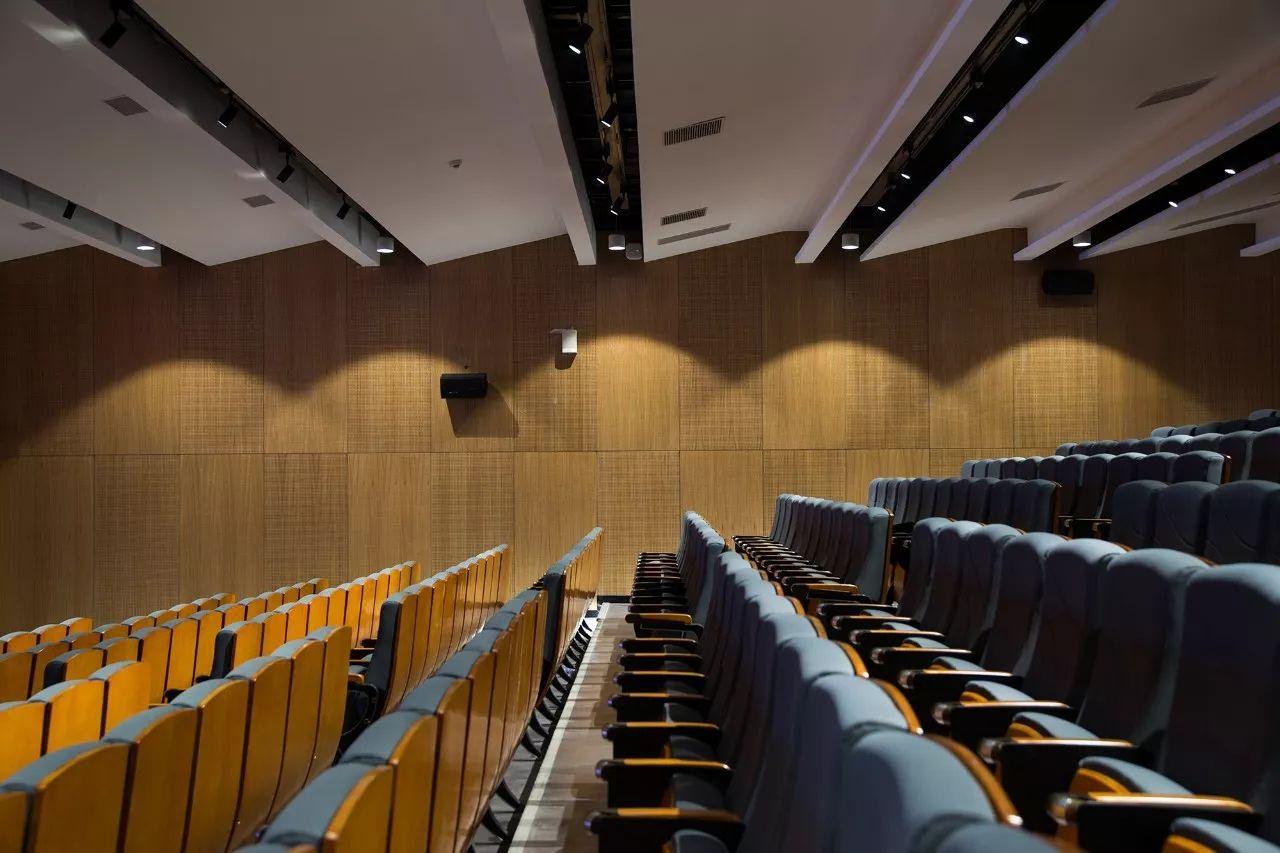 深圳南山创新实验学校 室内设计 /  九度设计