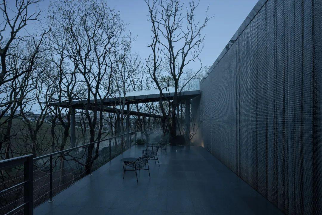 重庆龙湖云瑶玉陛社区中心 建筑设计 / 成执设计