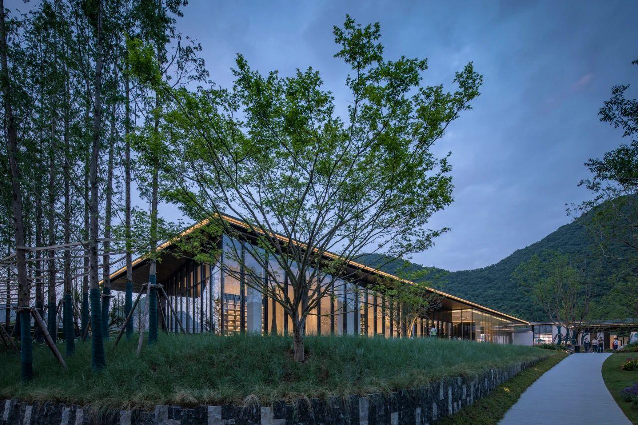 贵阳 万科观湖 示范区 建筑设计 / 华通国际