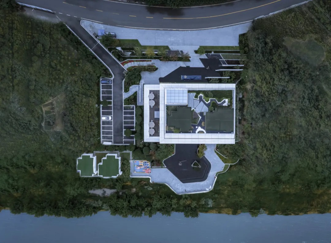 绿地达州外滩名门 建筑设计 / TONTSEN方大设计