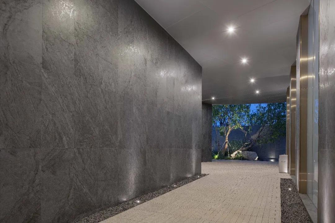 昆明龙湖·天璞 景观设计  /  道远设计