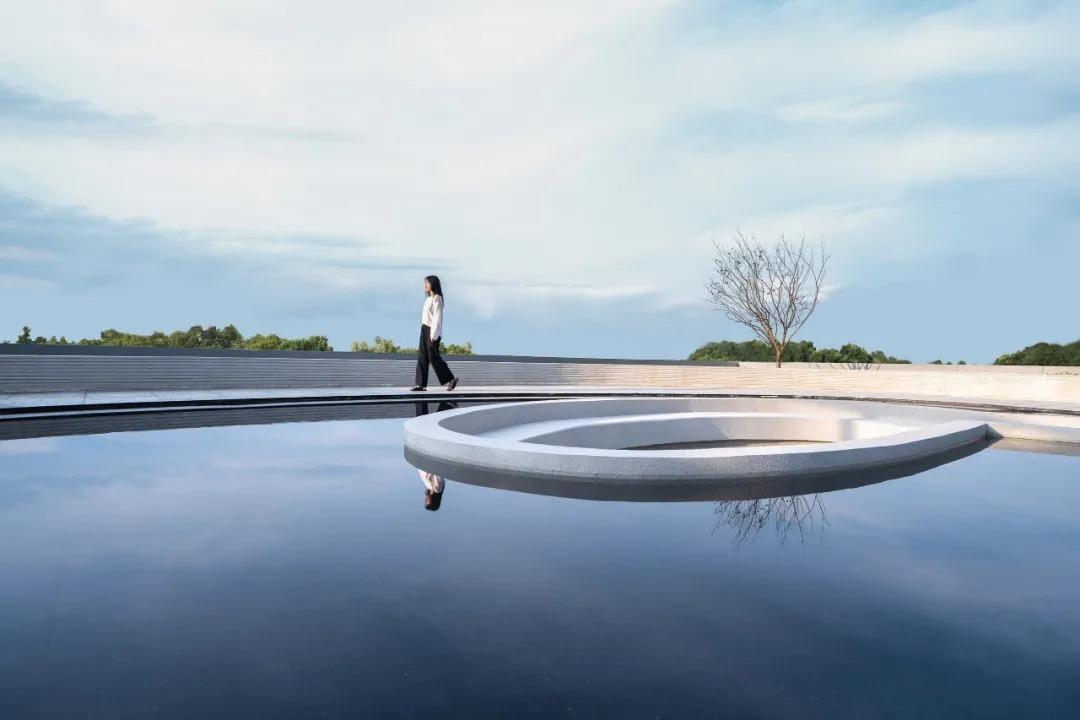 杭州保利·潮起云上府 景观设计  /  魏玛景观