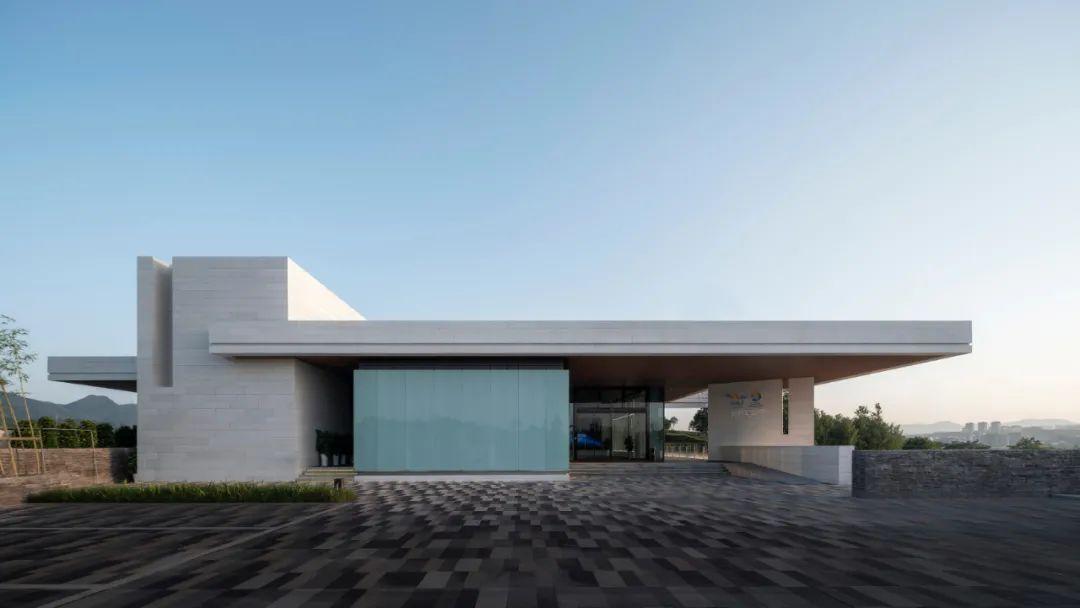 重庆两江新区综合指挥中心 建筑设计  /  都设设计