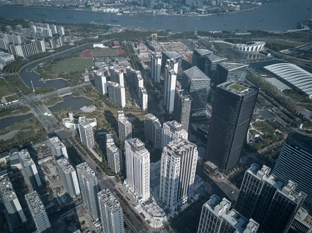 上海前滩钱隆广场 建筑设计 /   致逸设计