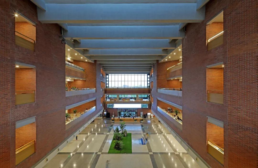 东北大学浑南校区图书馆 建筑设计  /   中国建筑设计研究院
