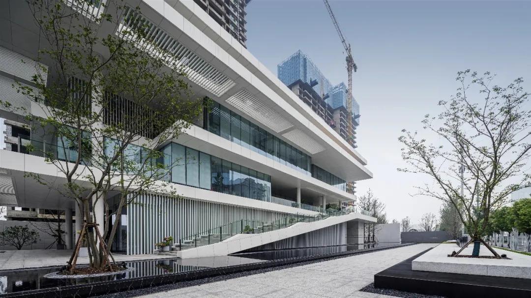 福星惠誉 · 月亮湾壹号 景观设计  /  上海日清景观