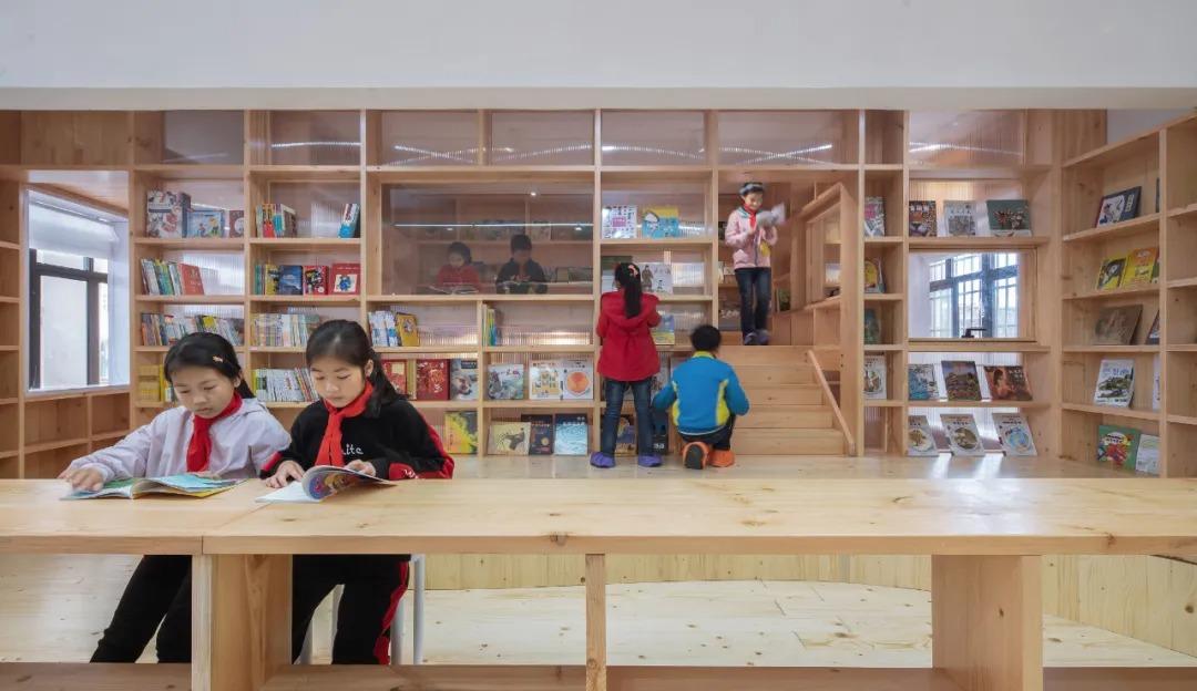 贵阳贞丰县桂馨公益图书室 /  尌林建筑