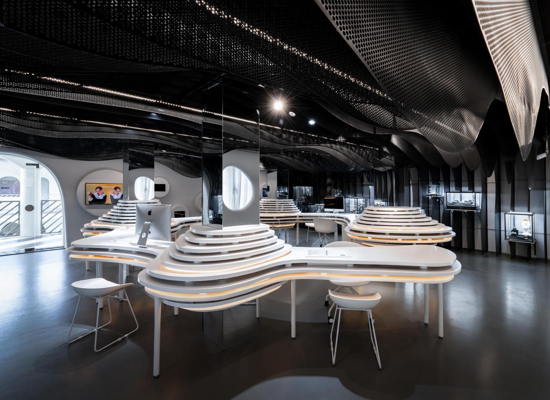 上海 梵誓珠宝上生新所店 室内设计 /  平介设计
